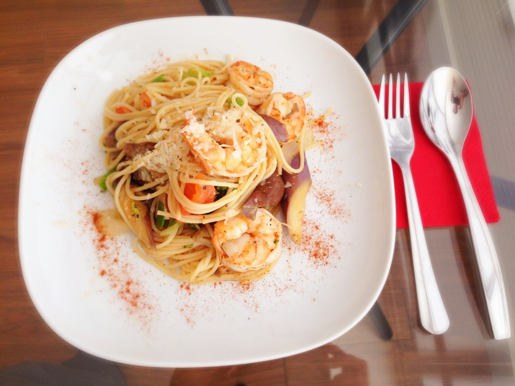 Spaghetti with White Prawns and Vegetables